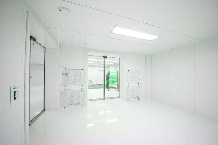 Choosing Cleanroom Doors