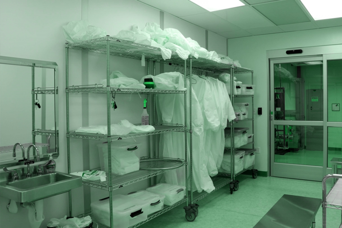 Cleanroom Gowning Procedures