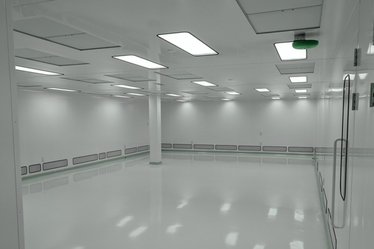 Fitting lights in cleanrooms